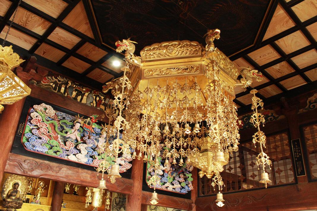善念寺本堂の天蓋